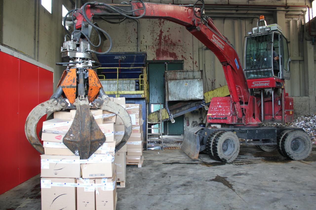 Smaltimento rifiuti solidi pericolosi